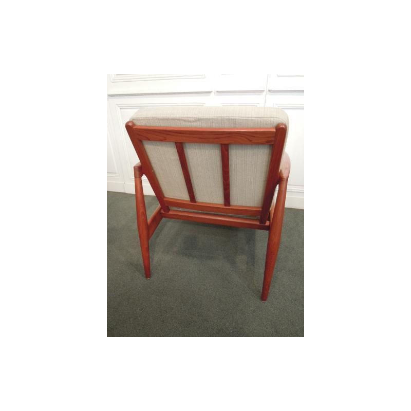 vendus fauteuils danois en teck de kai kristiansen. Black Bedroom Furniture Sets. Home Design Ideas