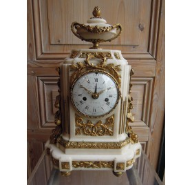 Clock with date, louis XVI period