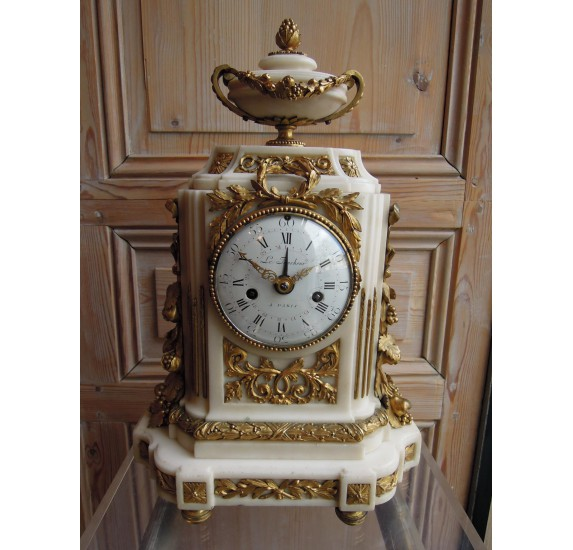 Pendule borne d'époque Louis XVI