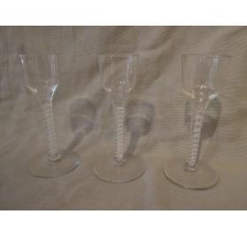 3 verres anglais à filigrane, XVIIIe siècle