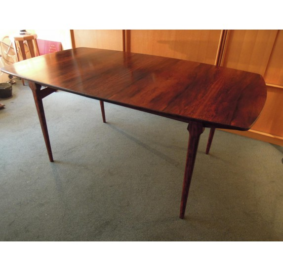 Grande table scandinave en palissandre