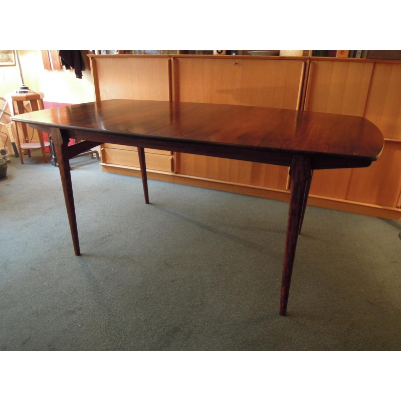 Grande table de salle manger en palissandre design for Grande table scandinave