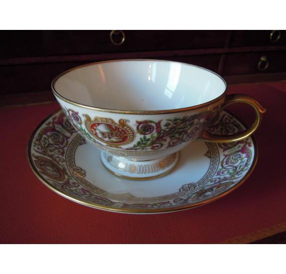 Sevres porcelain teacup, Fontainebleau castle hunts