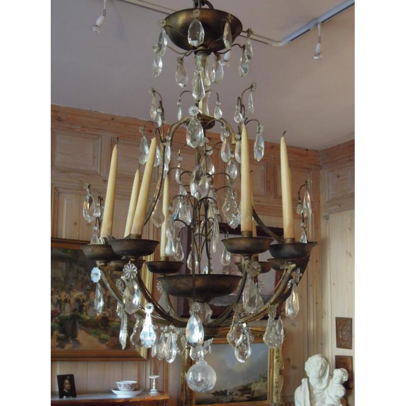 lustre en fer forg et dor de la maison delisle. Black Bedroom Furniture Sets. Home Design Ideas