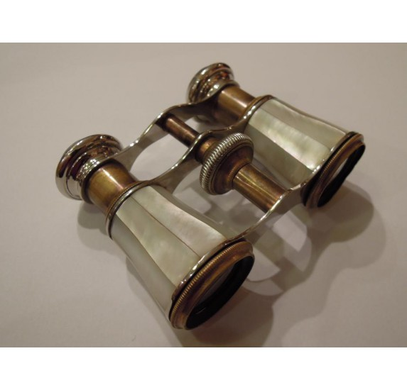 Mother-of-pearl theater binoculars