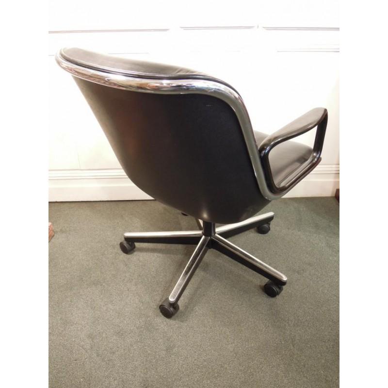 vendu fauteuil de charles pollock mod le 12e1 dit par. Black Bedroom Furniture Sets. Home Design Ideas