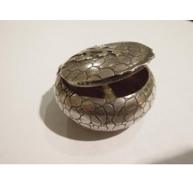 Small Art Deco sterling silver powder compact
