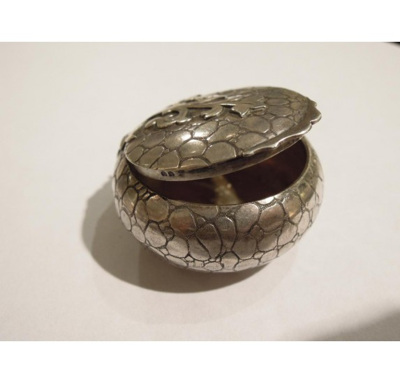 Small Art Deco sterling silver powder compact