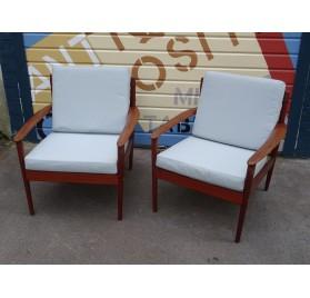 Paire de fauteuils danois en teck, design de Grete Jalk