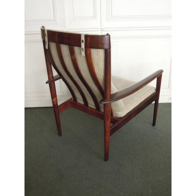 fauteuil scandinave en palissandre et haut dossier de grete jalk. Black Bedroom Furniture Sets. Home Design Ideas