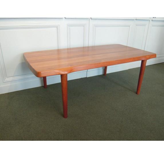 Table basse en teck massif de style scandinave