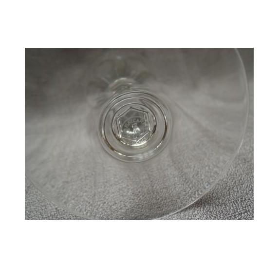 Baccarat : verre à vin rouge en cristal, modèle Genova