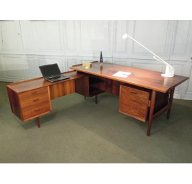 Danish rosewood executive desk by Arne Vodder
