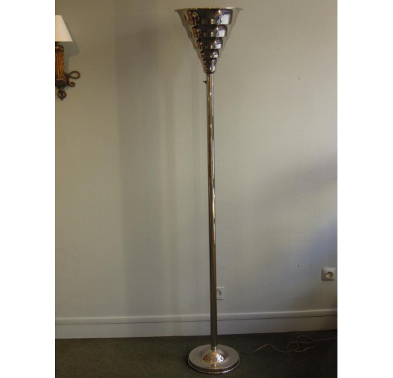 big sale 24a60 0d8a2 Great Art Deco floor lamp made of chromed metal