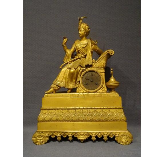 Pendule à l'Ottoman en bronze doré d'époque Restauration