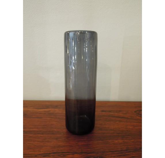 Vase en verre bleu Claude Morin à Dieulefit