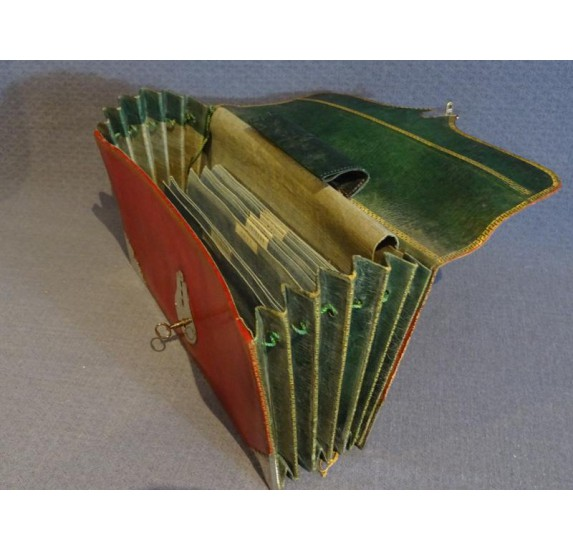 Red marocco briefcase, Louis XVI period