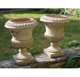 Pair of terracotta Medici vases, 19th century