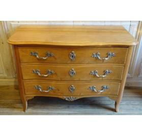Louis XV era chest of drawers in lemon tree