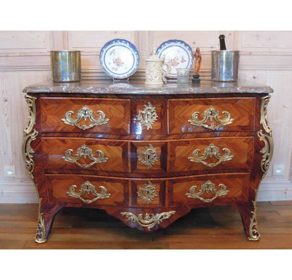 Commode d'époque Louis XV estampillée Boudin