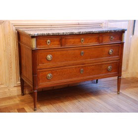 Mahogany chest of drawers, late 18th century