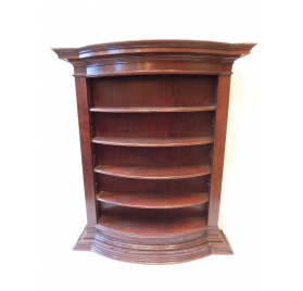 Speckled mahogany shelves, eighteenth century.