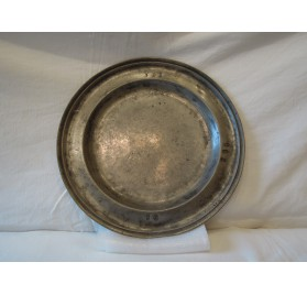 Pewter dish from Saint-Germain-en-Laye