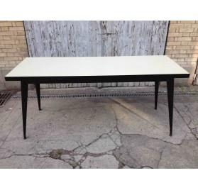 Table Tolix de réfectoire, plateau Formica, X. Pauchard