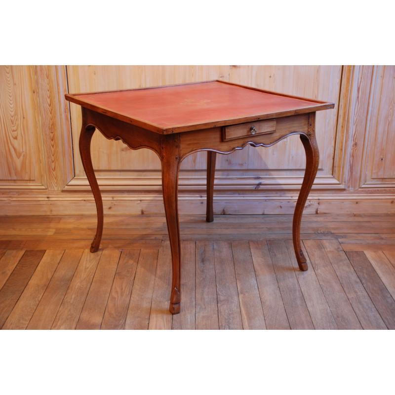 table de milieu en merisier et cuir rouge havas antiquites. Black Bedroom Furniture Sets. Home Design Ideas