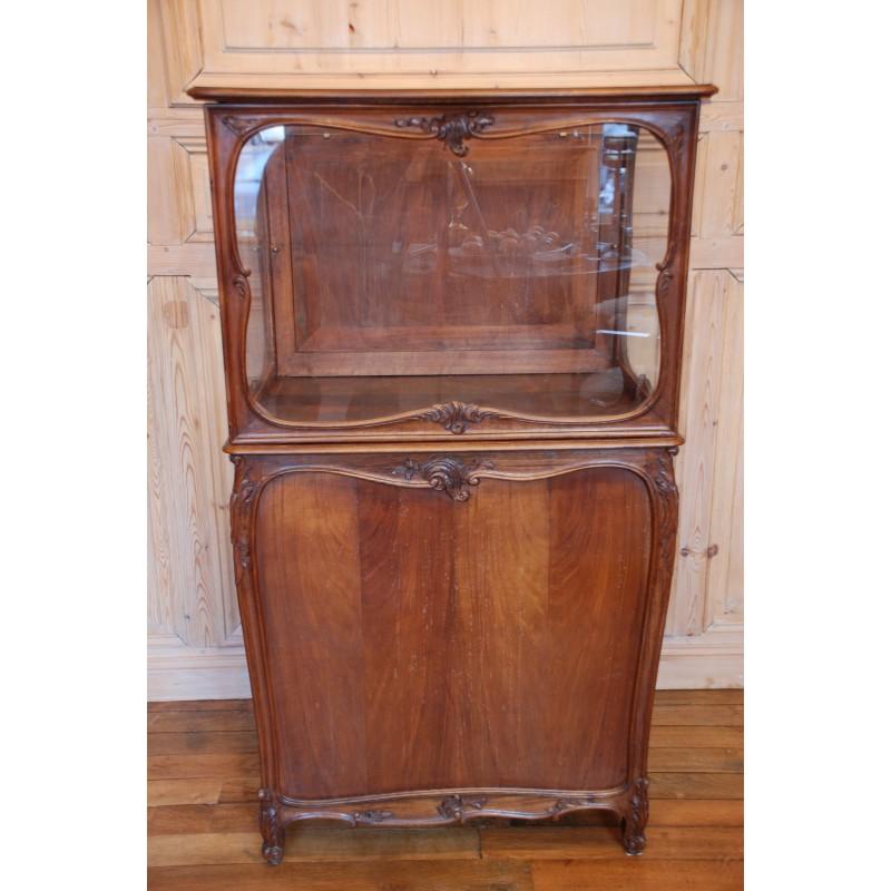 ancienne vitrine de magasin en noyer havas antiquites. Black Bedroom Furniture Sets. Home Design Ideas