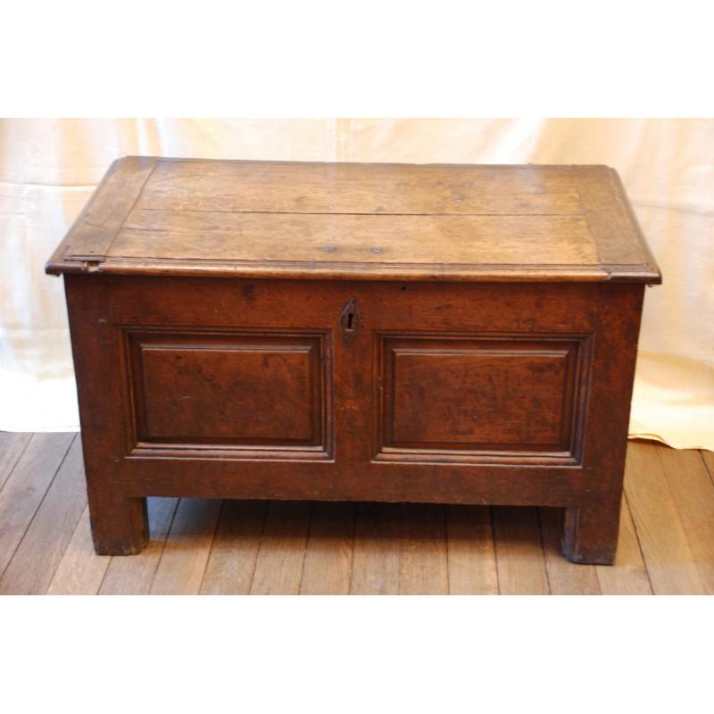 petit coffre ancien en ch ne avec son coffret havas antiquites. Black Bedroom Furniture Sets. Home Design Ideas