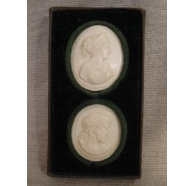 Ivory medallions : Christ and Roman
